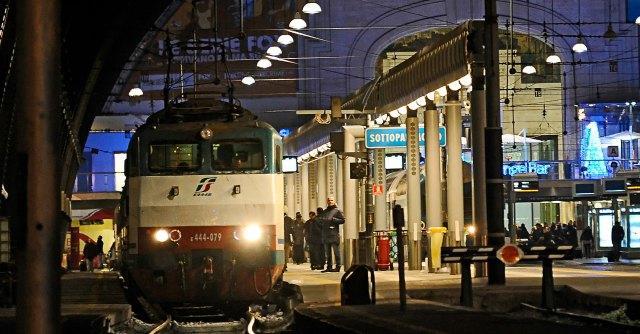 binari della stazione centrale di Milano