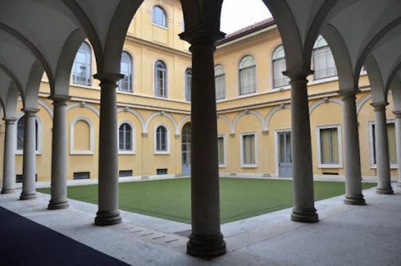 cortile Palazzo Barozzi Milano