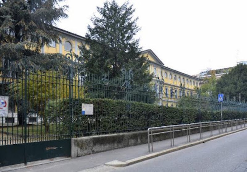 esterno del Palazzo dei ciechi Milano