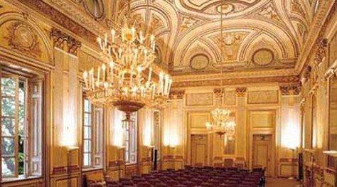 interni del Palazzo Greppi a Milano