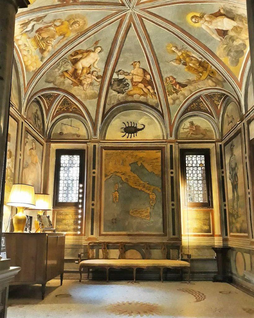 la Stanza dello Zodiaco di Casa Atellani a Milano