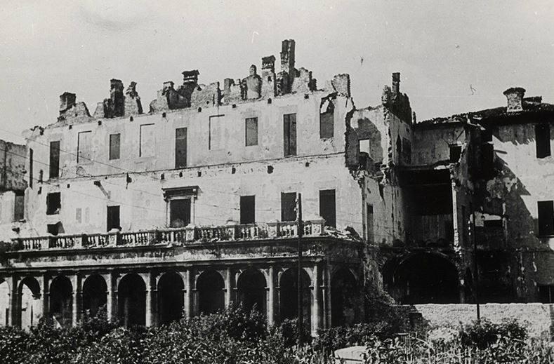 villa Simonetta distrutta dai bombardamenti della guerra